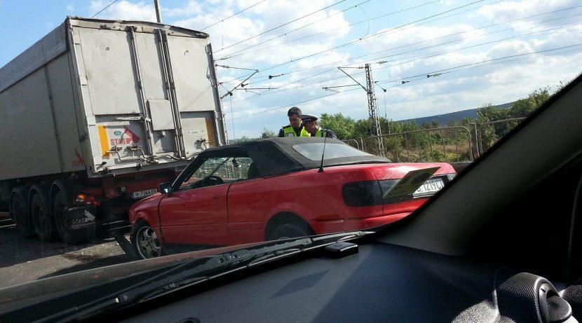 Две катастрофи по едно и също време затапиха крайезерния път на Варна