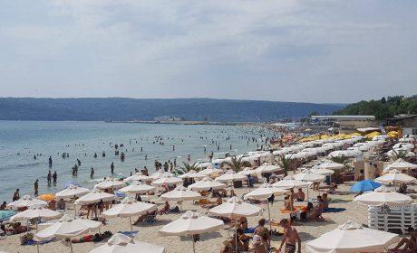 Доброволци от Басейнова дирекция и Областна администрация-Варна ще почистят градски плаж