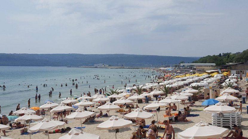 Плажните медици във Варна спасявали и колабирали сервитьори