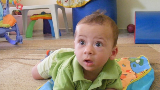 Кръщават подхвърленото бебе във Варна Йоан