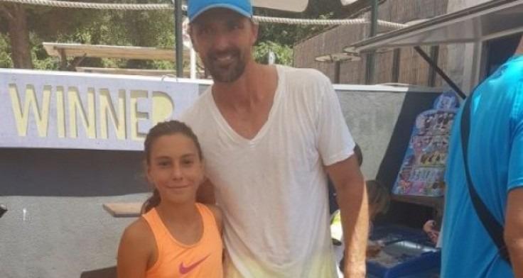 11-годишна варненка игра тенис с Горан Иванишевич