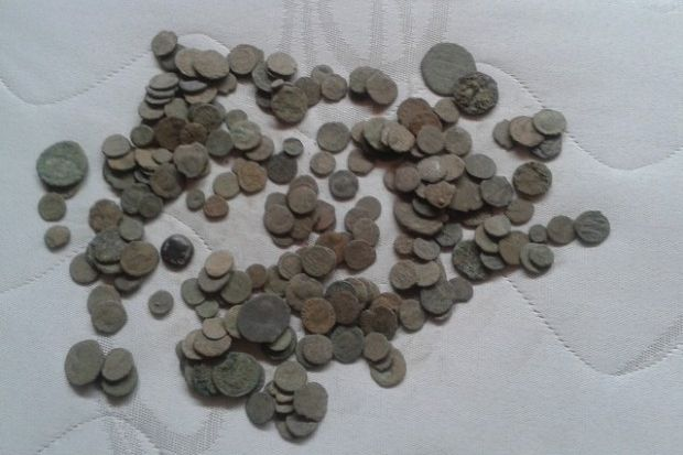 При спецоперация във Варненско са открити и иззети ценни монети