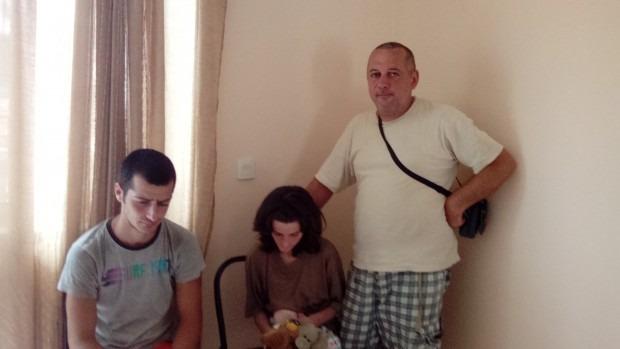 Стоян и децата му имат дом. Призоваха: Помагайте на други в нужда!