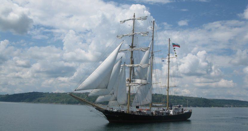 Ветроходите от Тол Шипс потеглиха към Варна