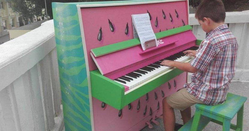 Поставиха арт пиано, на което всеки ще може да посвири (Видео)