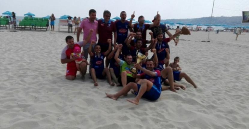 Четири отбора в битка за шампионската титла по плажен футбол