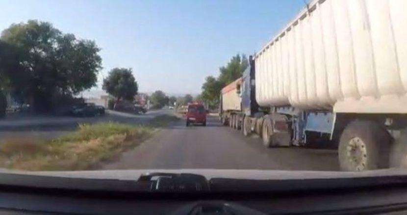 Неправилно паркирани камиони създават предпоставки за катастрофи във Варна