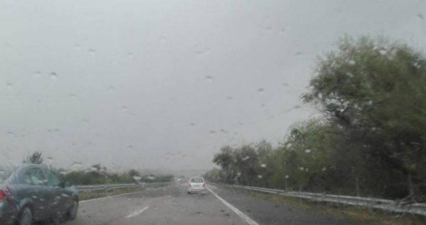 Пътя за Варна наводнен (видео)