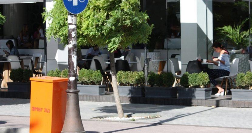 Варна се сдоби с нови кошчета за боклук