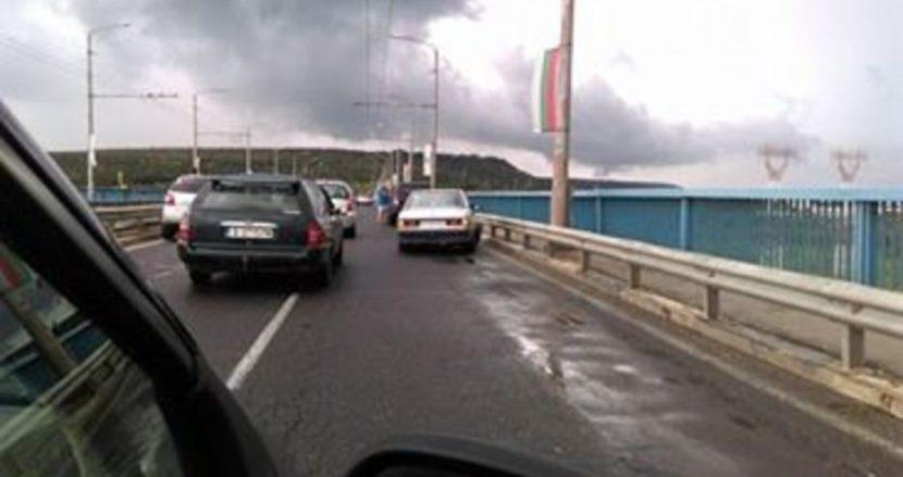 Две верижни катастрофи на Аспарухов мост