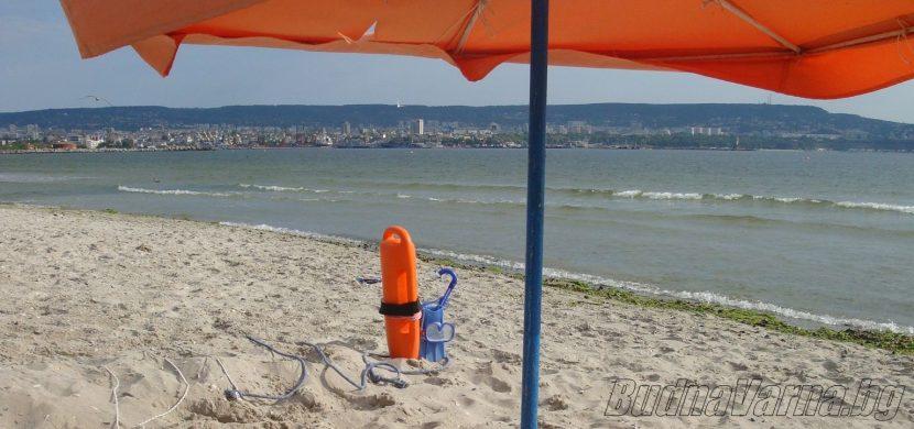 Медицинските екипи по плажовете ще работят до 30 септември