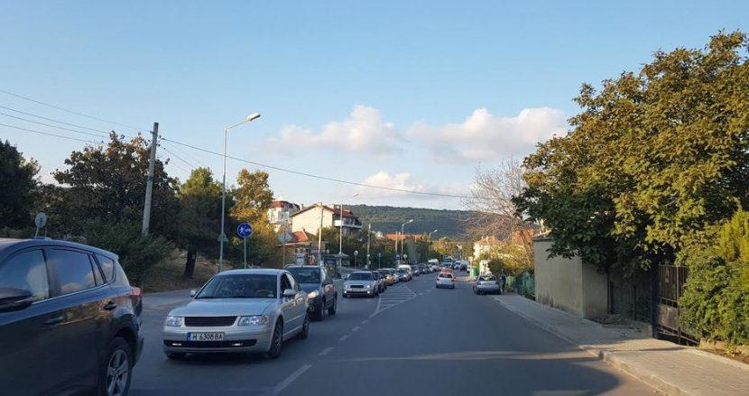 """Заради катастрофата трафика се измести във """"Виница"""" (снимка)"""