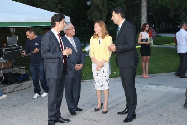 Министър Ангелкова: 2016-а е рекордна за туризма