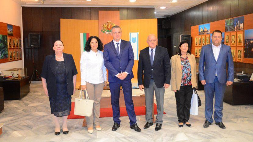 Кметът на Варна се срещна с посланика на Куба