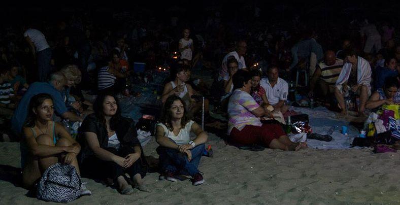 """Специални изненади очакват гостите на """"Най-дългата вечеря на плажа"""""""