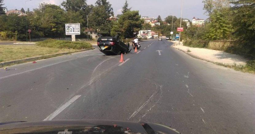 """Моторист и кола катастрофираха на """"Траката"""""""