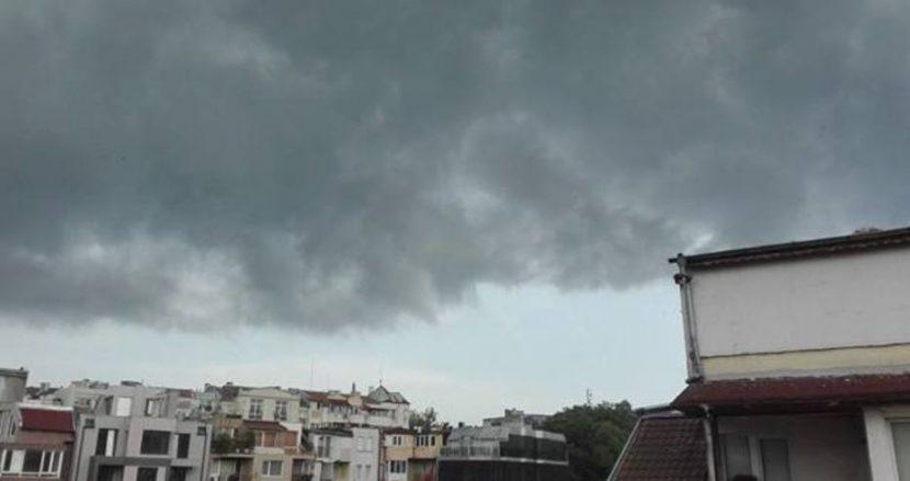 Идва ли бурята към Варна?