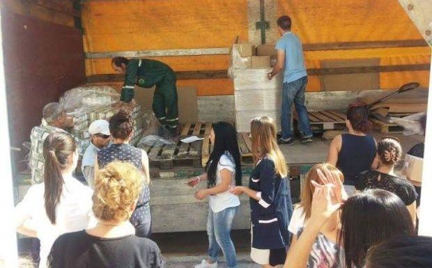 Раздават храна на социално слаби в Девня