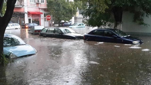 Варна се е наводнила в рамките на 5 минути