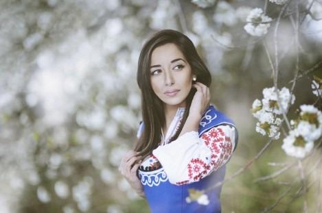 Варненски фотограф представя женската красота във фотоизложба