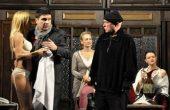 6 театрални комедии през януари с празнични промо билети във ФКЦ