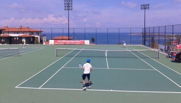 Тенисисти от Варна стартираха с победи