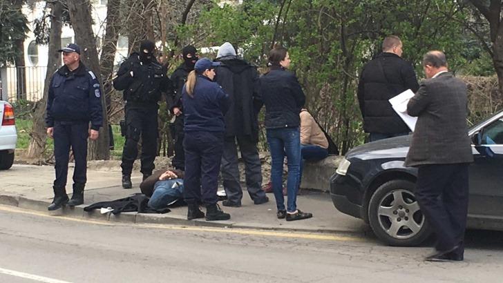 Извънредно! Специализирана полицейска акция във Варна! Има задържани