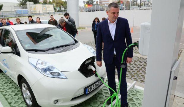 Откриха нова зарядна станция за електромобили