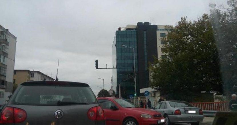 """Катастрофа във Варна задръсти движението на ул. """"Ген. Колев"""""""