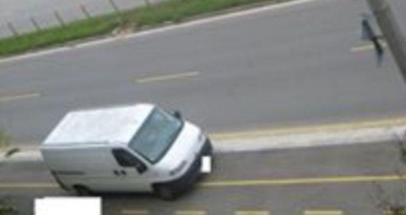"""Велоалеята в """"Младост"""" се превръща в паркинг"""