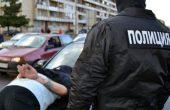 Задържан е 19-годишен младеж, пръскал със спрей полицейски служители и протестиращи