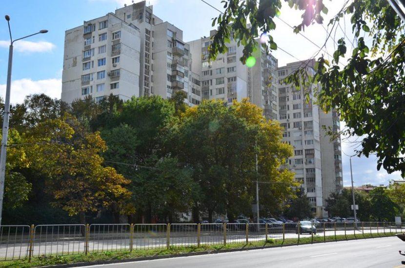 Махат незаконни остъклени тераси във Варна