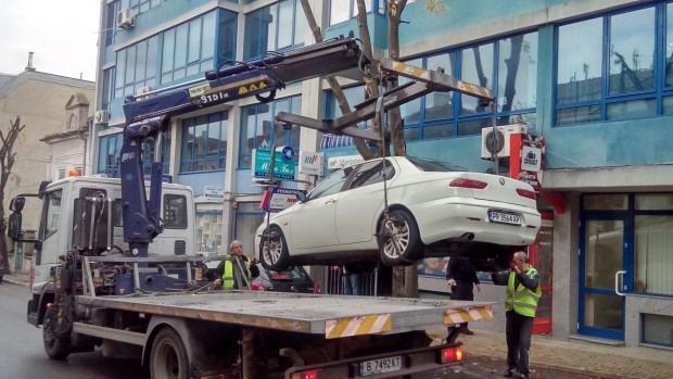 """""""Паякът"""" пренесе кола на 10 метра заради културно събитие"""