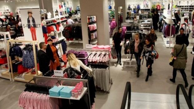 Осъдиха варненска студентка, задигнала маркови дрешки от мол