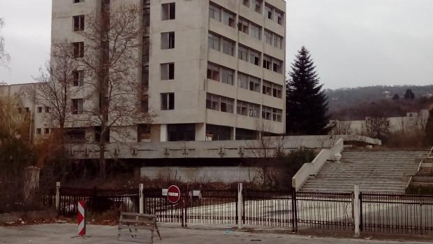 """Сриват до основи поделението във """"Владиславово"""", вдигат нов жилищен комплекс"""