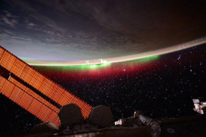 Бяло-зелено-червено и в Космоса