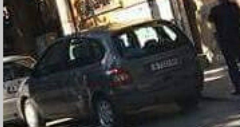 Някой виждал ли е тази кола? Откраднаха я край Варна