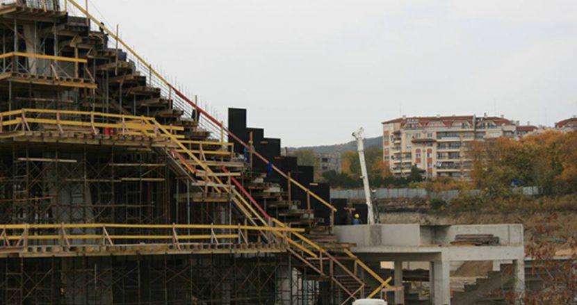 """Строежът на стадион """"Варна"""" продължава с пълни сили (снимки)"""