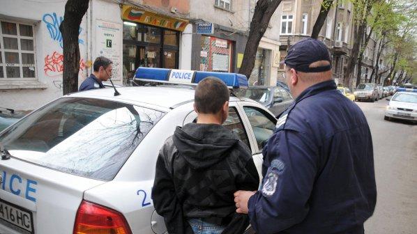 Рецидивист от Долни чифлик буйства във Варна