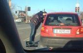 Момчето от свадата на пътя във Варна: Чичото щеше да блъсне пешеходец и ми показа среден пръст!