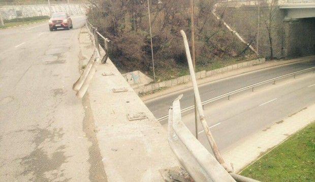 Среднощен екшън на Аспарухов мост по чудо се размина без жертви