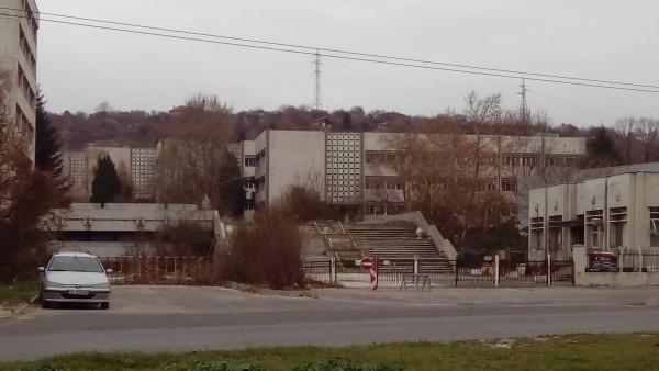 """Искат настаняването на бездомници в бившето военно поделения във """"Владиславово"""""""