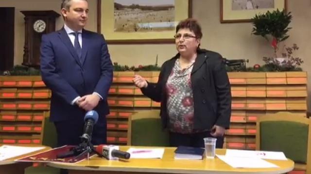 Грамота и плакет от фондация Глобални библиотеки в България получи кметът на община Варна