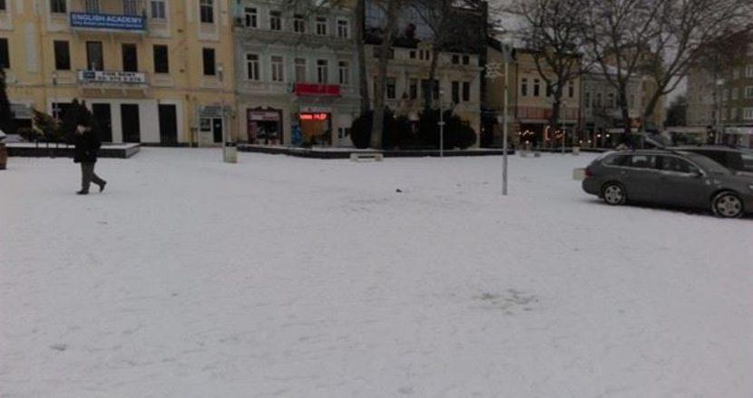 Ето каква е Варна след снега (снимки)