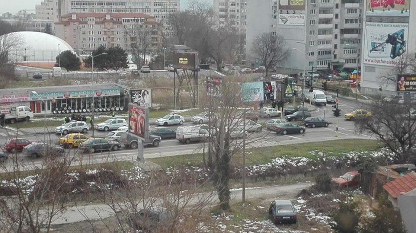"""5 патрулки на мястото на екшъна до стадион """"Спартак"""