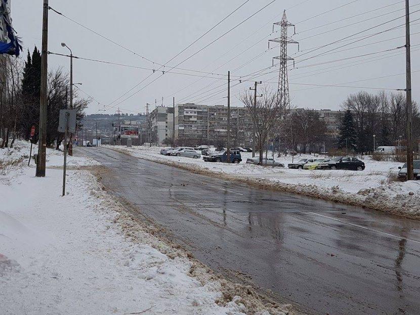 КАТ-Варна: Булевардите във Варна се обработват с луга, но на места са хлъзгави
