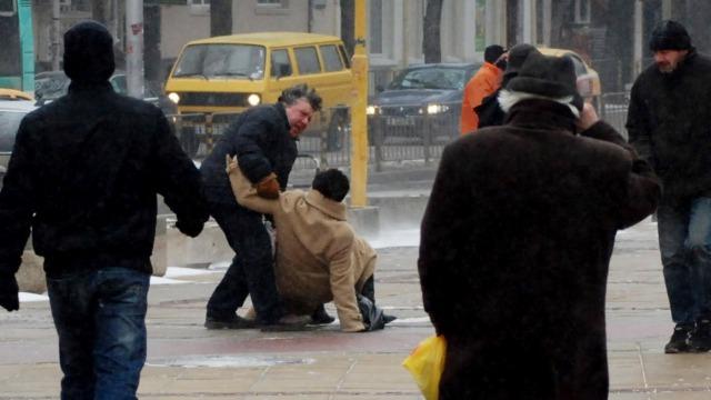Над 120 души във Варна се потрошиха в снега