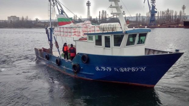 Рибарите от Варна: Ще вадим сопите, дойде ни до гуша!