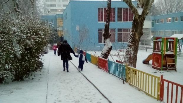 """Детска градина във """"Владиславово"""" няма ток, връщат децата"""