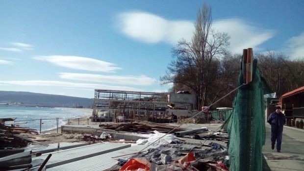 Ново строителство кипи по Крайбрежната алея